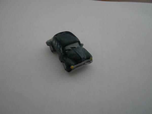 132 4cv miniature dans ma vitrine